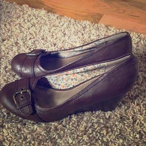 American Eagle shoes!